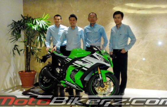 Launching Kawasaki New Ninja 300 &Ninja ZX-10R 2015